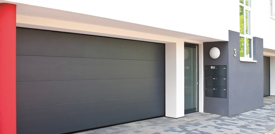 Garage doors/gates